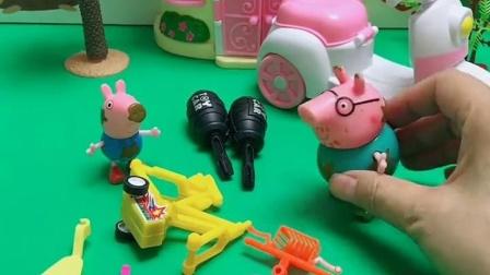 乔治找爸爸修车,但猪爸爸一直在教育他