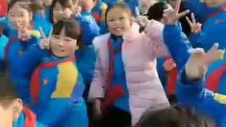 孩子学校举行活动