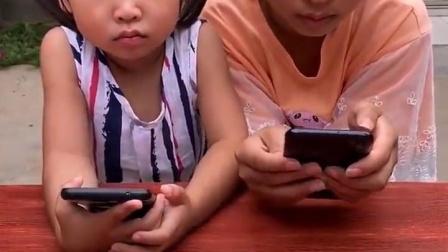 童年趣味游戏:不给手机就要挨打