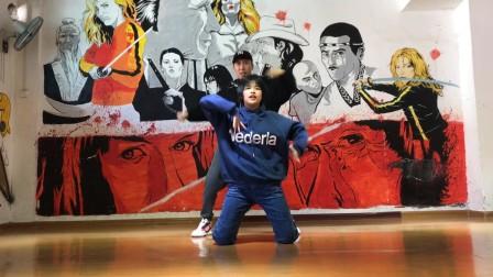 刘卓,向丹《tonight》舞蹈展示