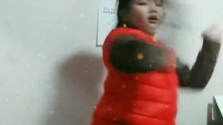 赵芊语  即兴发挥儿童舞蹈表演2020.12.10