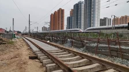 20200606 123118 西成高铁G89次列车高速通过汉中站