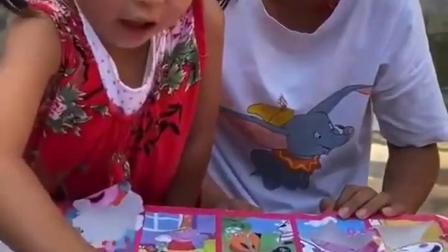 欢乐亲子:妈妈,我们来猜盲盒吧