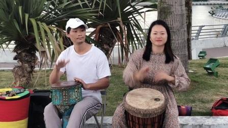 黄静珍与路边打非洲合奏《小宝贝》