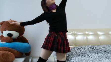 华华广场舞《白狐》柔柔的舞步