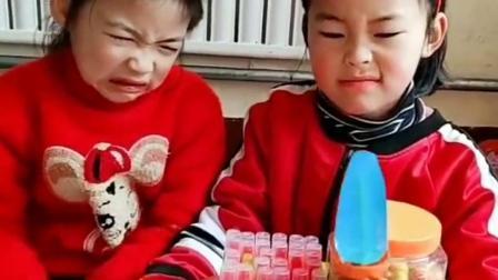 我的童年:又抢妹妹的零食,不知道让着小孩吗