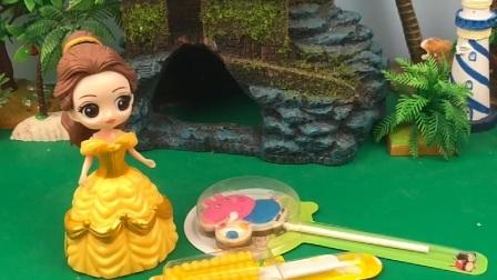 贝尔给白雪长发做棒棒糖,王后出来溜小动物,棒棒糖被小动物吃了