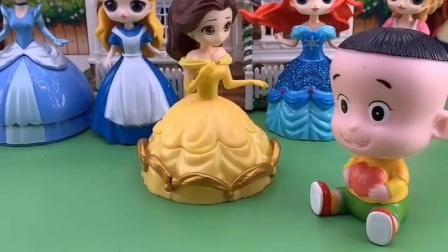 贝尔公主被赶出王国,乔治和大头不愿意帮助贝尔
