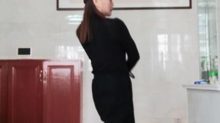 华华最新水兵舞 《忘川的河🎶》背面版