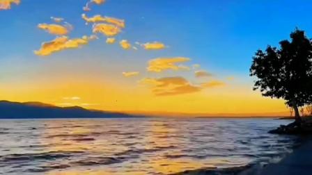 杜牧:《赠渔父》。自说孤舟寒水畔, 不曾逢著独醒人…朗诵:邢之诺