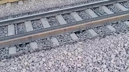 ss4g0493京局石段牵引货列通过石太线前往太原方向