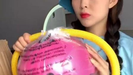这气球有点大....