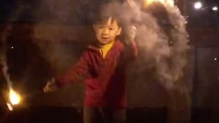 2021用烟花许个心愿 祝大家新年快乐!