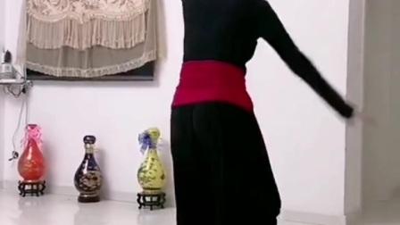 芳菲老师玛尼情歌反面视频