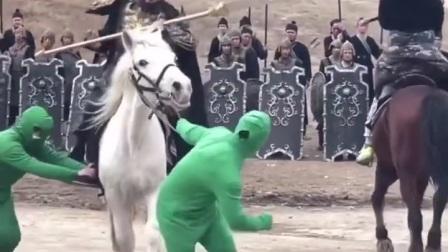 牵马的两位哥们你知道是做什么的吗?