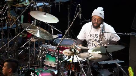 【狼的音乐站】Robert 'Sput' Searight & Ghost-Note(Drumeo鼓手节2020)