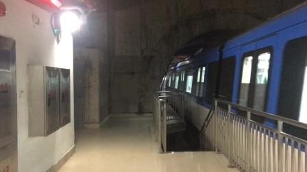 杭州地铁6号线出长河站