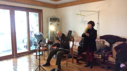 歌曲没有眼泪没有悲伤演唱者刘老师伴奏刘老师。