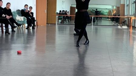 波老师体育广场舞《中国脊梁》*形体课示范