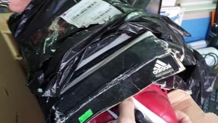 快递公司开箱验货视频,鞋明显穿过被破坏了