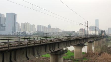 Z2次 HXD3D0078 通过京广线K1562KM长沙浏阳河铁路大桥