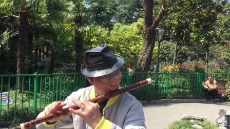 笛子独奏【水乡船歌】 宜川公园(有麦) 摄影:章银妹 制作演奏:滕宝华 2021年3月26日