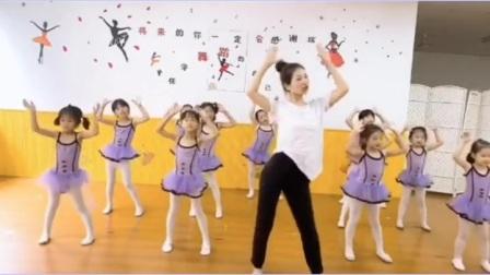 小猪猪幼儿舞蹈