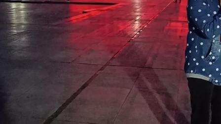 洪塘广场;小王唱;抬头问苍天2021.3.6日