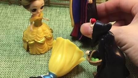 僵尸迎娶贝尔,王后让贝尔躲起来,贝尔还在欺负白雪!