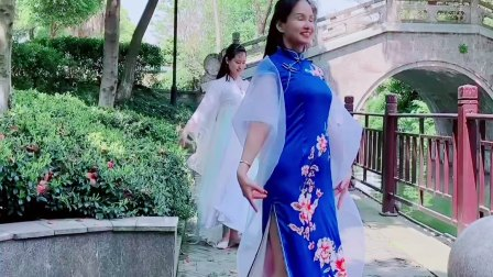 灵灵中国风《荷塘月色》