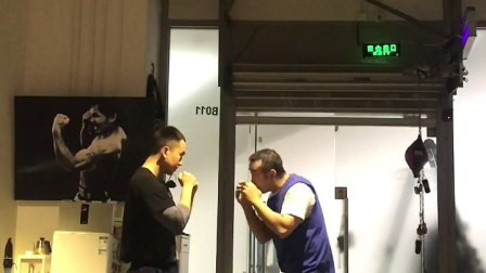 1/3拳击中近距离·勾腹勾肋勾上颌摆拳·北京拳击刘教练Mark Boxing;2021.4.13徐皓32岁