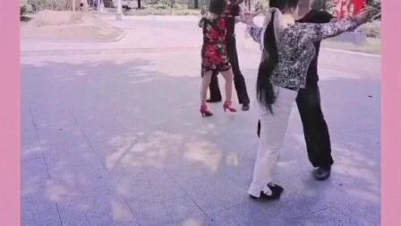 幺妹美,女步周淑芳,zhanghongaaa,交谊舞三步踩ABC男步:朱建春,军旅人生,全民统一动作舞,只要学会了与谁都可以跳到!妙手杏林上传