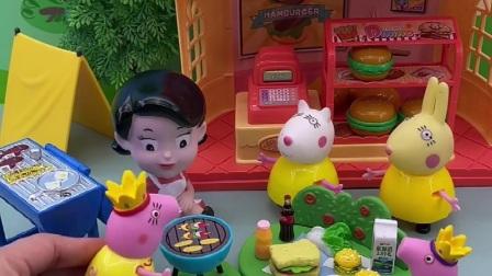 猪妈妈带着乔治去吃饭,乔治真是的,唱个歌还害羞了