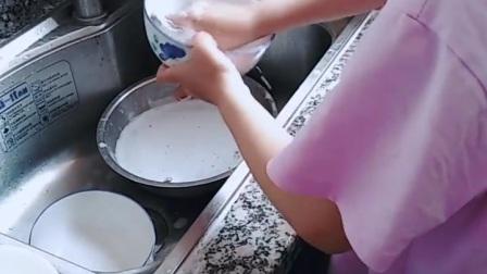 帮助妈妈洗碗太棒了