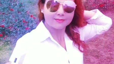 南阳红泥湾小娟广场舞,春暖花开,出来溜达一圈,心态好人不老,祝大家快乐开心每一天🔥🔥🔥