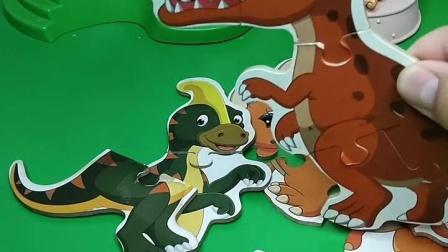 恐龙打架了
