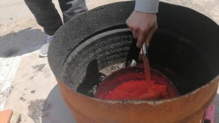 传统中医颈肩腰腿疼黑膏药熬制工艺过程炼油下丹