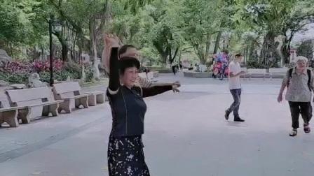 泪蛋蛋掉在酒杯杯里:妙手杏林交谊舞(三步踩ABC)