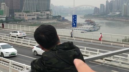 爸爸来重庆开会,顺便跟小萌叔叔一起看看