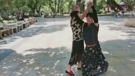 zhanghongaaa交谊舞(三步踩ABC短视频)男步,婵姨