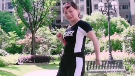 华华广场曳步舞《对你犯了错》新舞连跳两篇