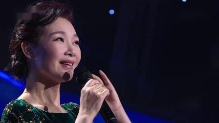 歌曲《军港之夜》演唱:吕薇