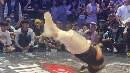 中国超强实力街舞小女孩高难度动作震惊全场