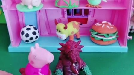 佩奇穿个怪兽衣服,总被去捉弄一下乔治,乔治有点慌了