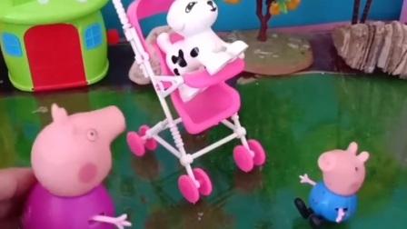 乔治不喜欢坐婴儿车,让给了狗狗,猪奶奶误会狗狗了