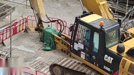 卡特330D2L挖机