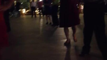 妙手杏林摄像纯水兵舞(开始看,没打算拍,太精彩了,就免不了拍了一点点)