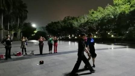 深圳南山区华侨城炫舞飞扬舞蹈队明哥示范