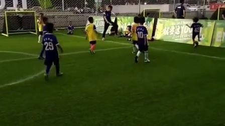 中国足球的未来,离不开从未改变的热爱