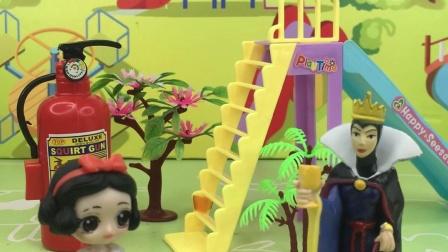少儿玩具:白雪考了满分,母后很开心